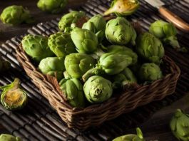 Artichokes are hardly considered popular food, and many find it hard to describe their tastes. Read on to know what does artichoke taste like